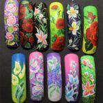 Дизайн акриловими фарбами на нігтях