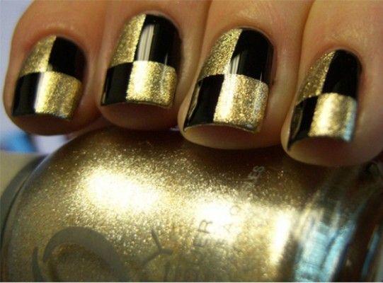 шахівниця на нігтях