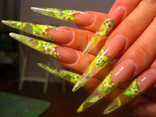 жовтий дизайн нігтів