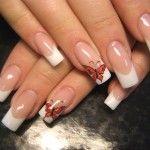 Дизайн нігтів з метеликами