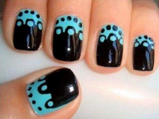 чорний і бірюзовий на нігтях