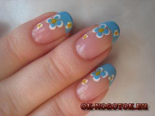 Блакитний френч з квітами (покроковий фото урок)