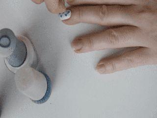 Апаратний педикюр: обробка ніг за допомогою приладу.