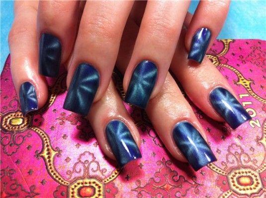 Ідея для креативного манікюру: магнітний лак для нігтів