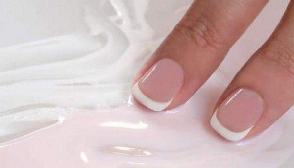 ніжний манікюр на коротких нігтях