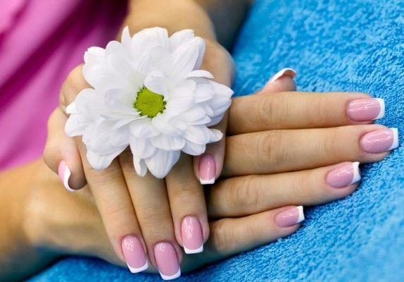 манікюр на мигдальних нігтях