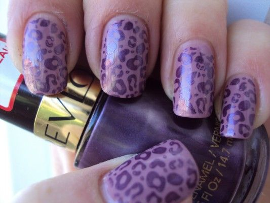леопардовий принт на нігтях