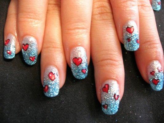 сердечка на нігтях