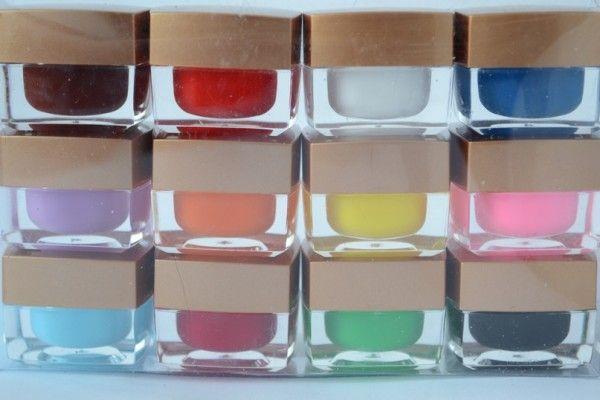 кольорові гелі для нарощування нігтів