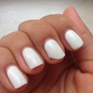 Чому погано тримається гель-лак на нігтях