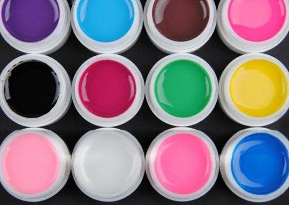 Застосування гелевих фарб для розпису нігтів
