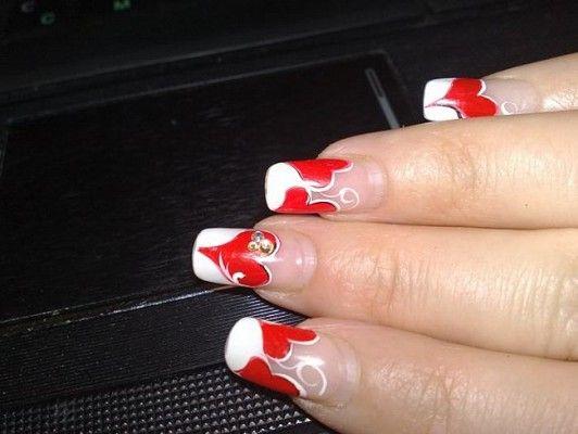 сердечко на нігтях