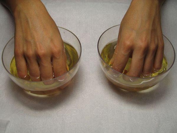 Масляні зміцнюють ванночки для нігтів