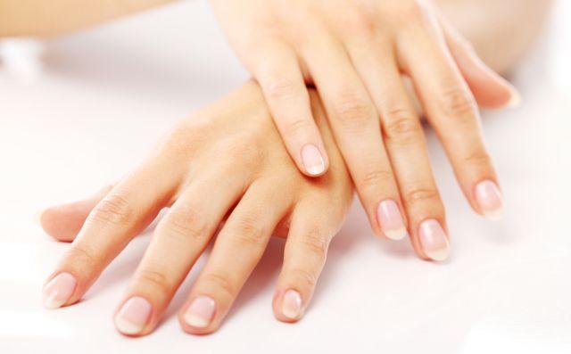 Запечатування нігтів в домашніх умовах